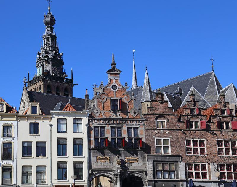 Centrum Nijmegen met Stevenskerk en de Waagh